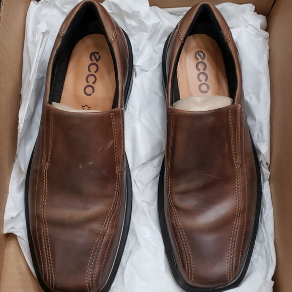 Ecco brown leather shoes